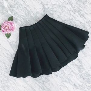 H&M Pleated Scuba Mini Skirt